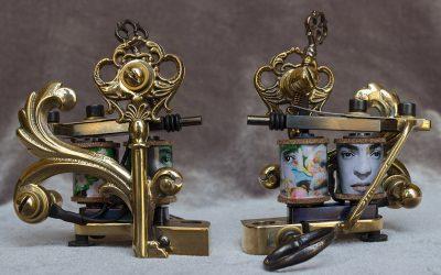 Frida Kahlo liner machine with brass old key + filigree.