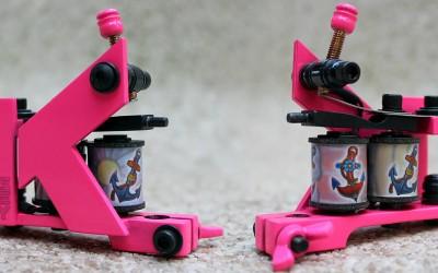 Keety's neon pink liner, powerful & fast mini machine.