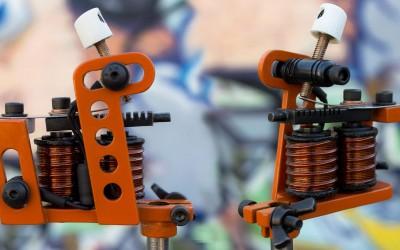 Graffiti themed orange fast mini machine for smooth grey shading.