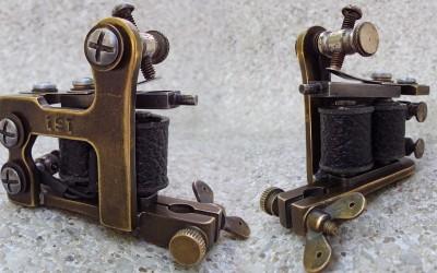 Brooklyn Blackie brass stamped mini liner.